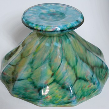 Early 20thC Art Deco Bohemian Iridescent Scaled Art Glass Bowl