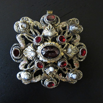 Austro Hungarian Garnet Pearl Pendant Brooch