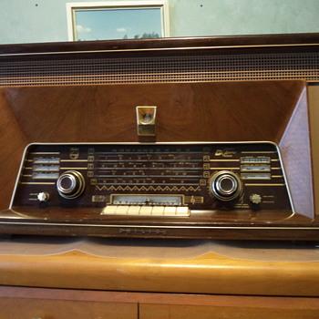Philips Radio - Vintage - Radios