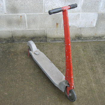 Unknown antique vintage sidewalk push kick scooter. Cast aluminum.