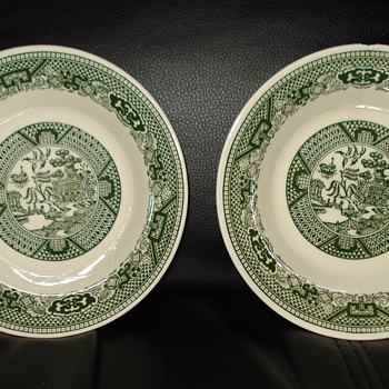 WILLOW WARE ROYAL CHINA PLATES