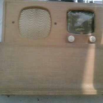 Antique Zenith Wavemagnet Radio 1940's  - Radios