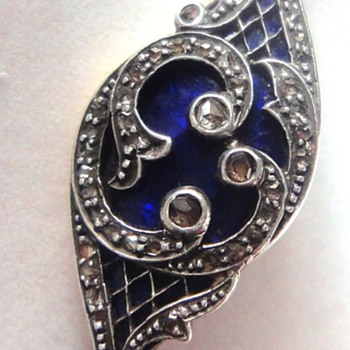 Gegorgian or Victorian cobalt blue enameled brooch hidden compartment
