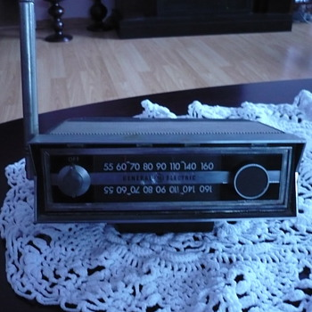 GENERAL ELECTRIC P870A TRANSISTOR RADIO - Radios