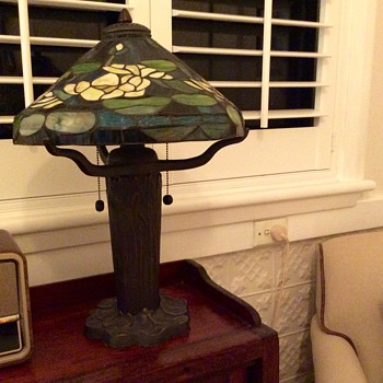 Reproduction Tiffany Lilypad Lamp