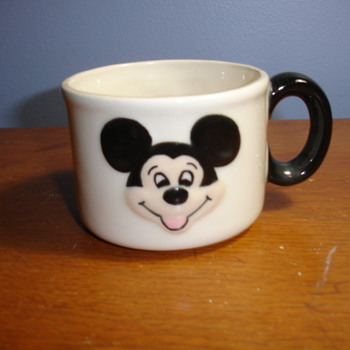 Mickey Mouse mug Antique? vintage?pottery class? please help.