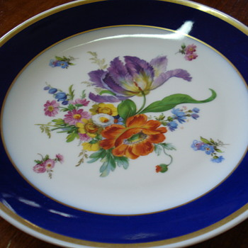 A wonderful vintage plate with Dresden flowers pattern