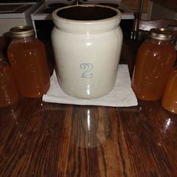 old country 2 gallon crock