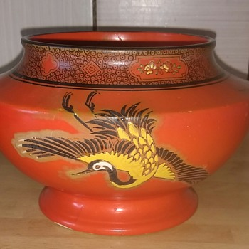 Shelley Bowl pattern number 8590, 815 Made in England, Storks on scarlet background, black edged rim with raised areas of folia
