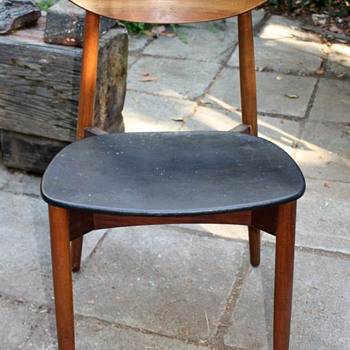 MM + Moreda? mid-century chair? - can't read the signature - Mid Century Modern