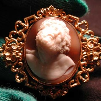 Hige relief cameo of father Laocoon - Victorian Era