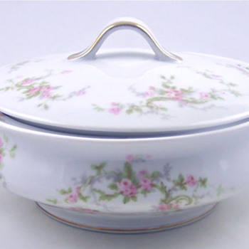Haviland Limoges Gorgeous Covered Casserole & Gravy Boat...
