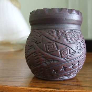 Six Nations -Mohawk- Kanyengeh Pottery- Pot/Vase by Karen Williams