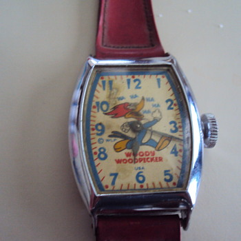 Woody woodpecker wrist watch. Original red strap?