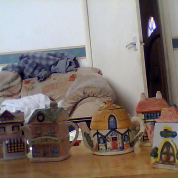 teapot cottages  - Pottery