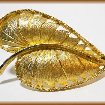 Vintage LEAF BROOCH - Marked BSK - Costume Jewelry