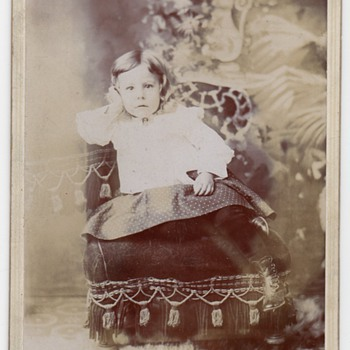 """GASBERG, UTAH "" CABINET CARD OF ""GORGEOUS LITTLE GIRL"" 1901"