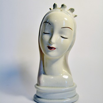 "GOLDSCHEIDER EVERLAST CORP.-USA  ""MADONNA"" - Art Pottery"