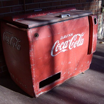 1942 Coke Machine - Coca-Cola