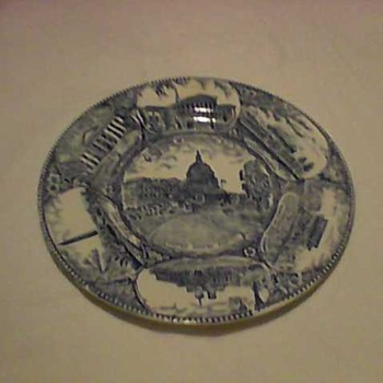 CAPITOL SOUVENIR PLATE - China and Dinnerware