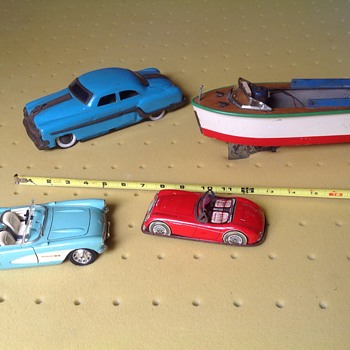 Old toys,model cars and boats.