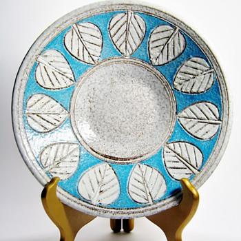 MCM ITALIAN  BOWL  - Art Pottery