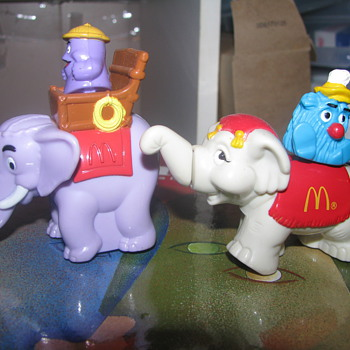 Vintage McDonalds elephant toys - Animals