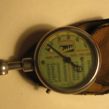 Buick tire pressure gauge