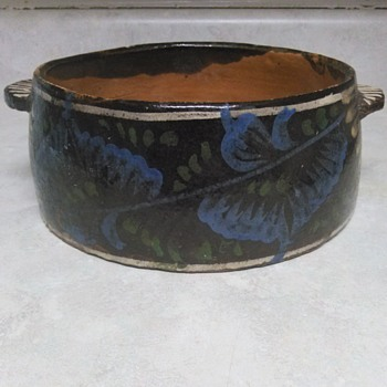 ANTIQUE PAINTED REDWARE POT