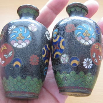 Small but very sweet enamelled pair of vase