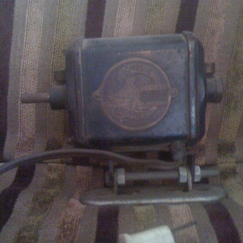 domestic machines cleveland ohio sewing machine ?