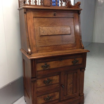 Renaissance Revival or Eastlake Secretary? Walnut or Mahogany? - Furniture