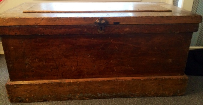 Seaman 39 s chest collectors weekly for Seamans furniture