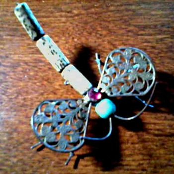 "Unusual ""Mixed Media"" Wire Dragonfly Pin/ Unknown Maker and Age"