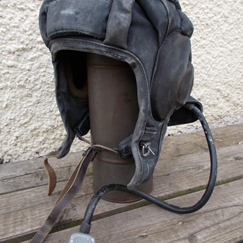 iraqi tanker helmet  - Military and Wartime