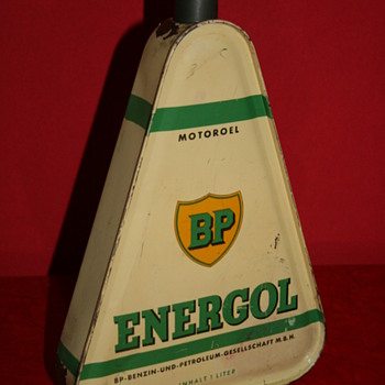 BP oil can - Petroliana