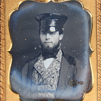 Sixth-Plate Daguerreotype Portrait of a Fashionable Young Man