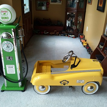 My newest ( 5th ) Pedal Car and  Old Fashioned Gas Pump