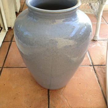 Two very attractive blue with brown speckled pots. - Art Pottery