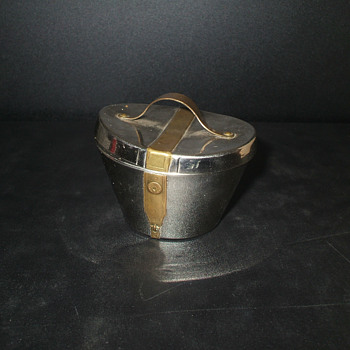 Metal hat box salve dispensor? - Pens