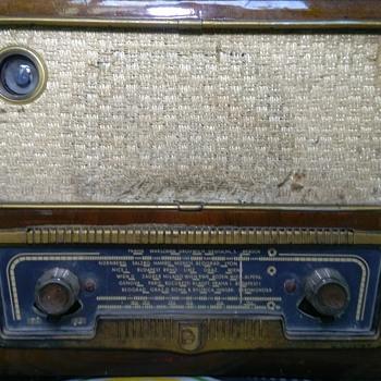 Philips Tube Radio (1953) - Radios