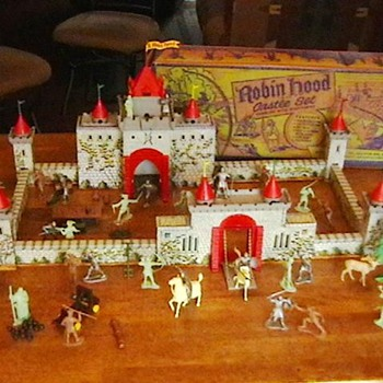 1950&#039;s Robin Hood Playset by Marx