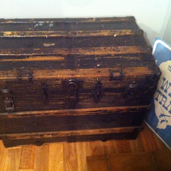 Trunk just inherited - Furniture