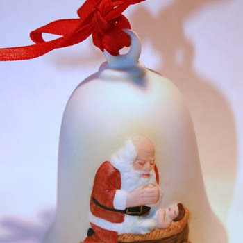 1985 The Kneeling Santa Bell or Ornament...
