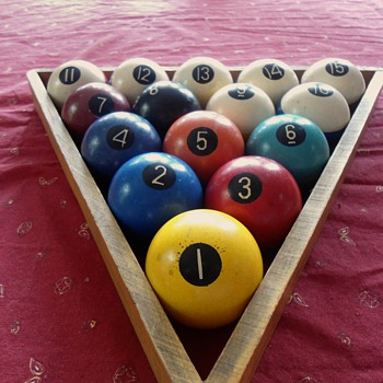 Vintage billiard balls - Games