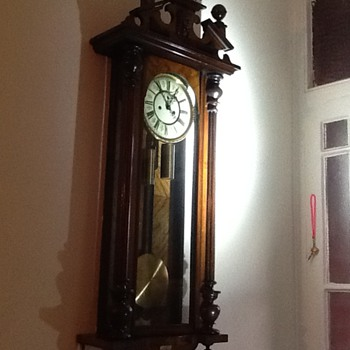 My newly inherited clock, but what type is it?