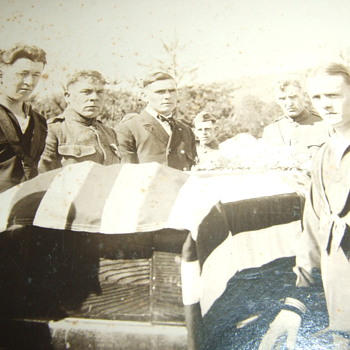 "Photograph "" A Great War Veteran is laid to rest"" Part I - Military and Wartime"