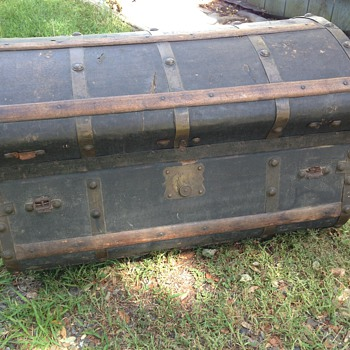 Jenny Lind Trunk? (I'm not sure!) - Furniture