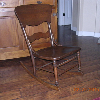 Old youth rocking chair. Not sure of age.