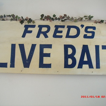 Fred's Live Bait - Signs